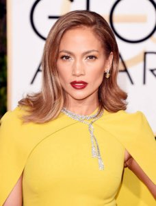 Red Carpet Hair Of Jennifer Lopez.